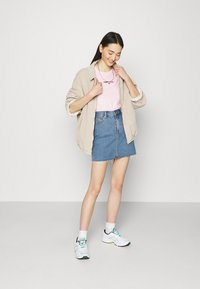 Tommy Jeans - FLAG TEE - T-shirt print - romantic pink - 1
