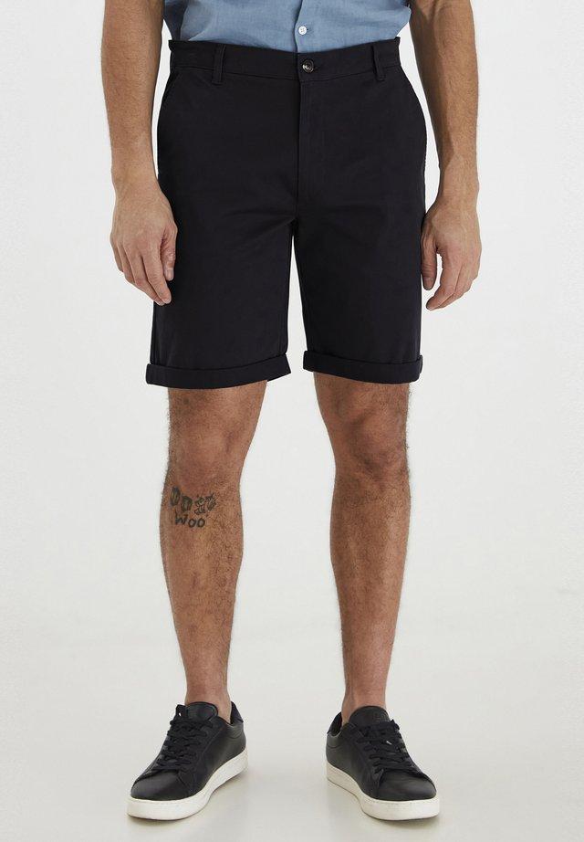 ROCKCLIFFE - Shorts - insignia b