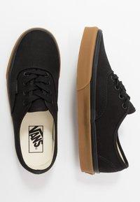 Vans - AUTHENTIC - Sneakersy niskie - black - 1