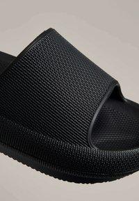 OYSHO - Pantofle - black - 5