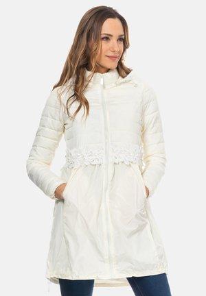 Winter coat - crudo