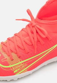 Nike Performance - MERCURIAL 8 CLUB TF UNISEX - Astro turf trainers - bright crimson/metallic silver - 5
