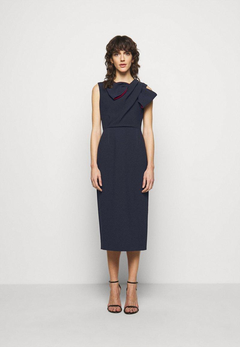 Roksanda - FLANDRE DRESS - Pouzdrové šaty - midnight/sangria