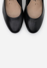 Tamaris - COURT SHOE - Classic heels - black - 5