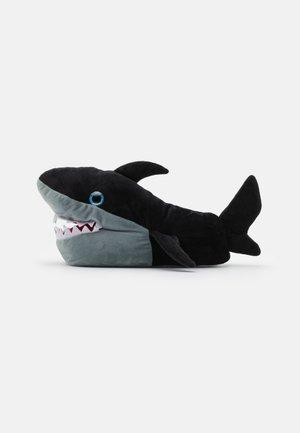 SHARK - Tohvelit - black
