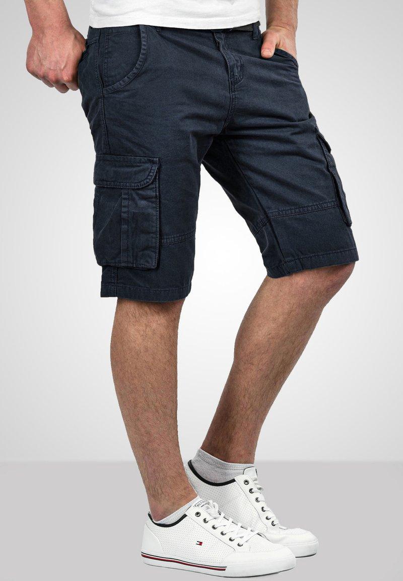 Alessandro Salvarini - Shorts - navy