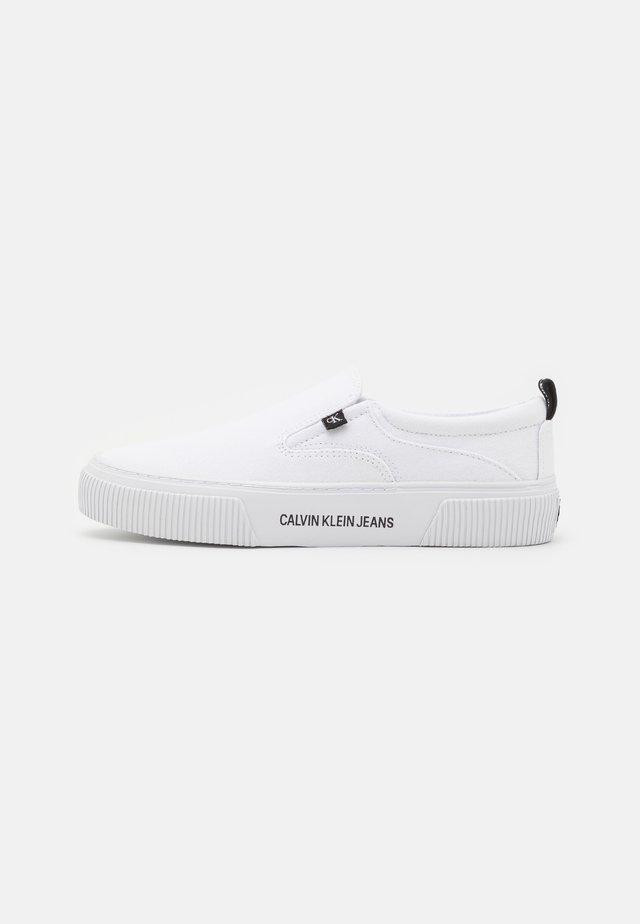 VULCANIZED SKATE - Nazouvací boty - bright white