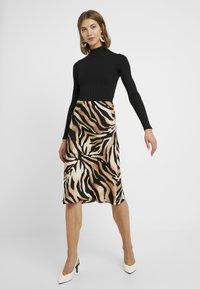 Miss Selfridge - HIGH NECK CLEAN BODY - Långärmad tröja - black - 1