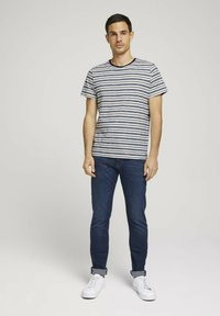 TOM TAILOR - TROY  - Slim fit jeans - stone wash denim - 1
