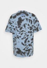 Versace Jeans Couture - TINTO - Print T-shirt - blue - 5