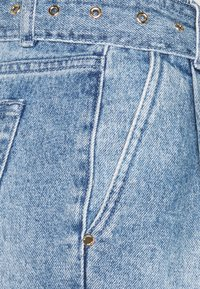 MICHAEL Michael Kors - PLEATED BELTED - Denim shorts - blue denim - 2