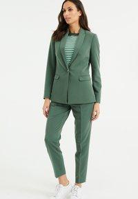 WE Fashion - Blazer - moss green - 1