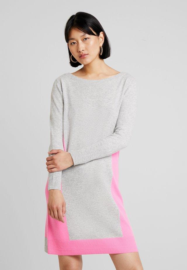 CLEMATIS NANNIS DRESS - Strikket kjole - silver shine