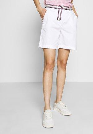 Shorts - classic white