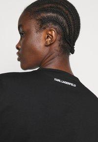 KARL LAGERFELD - IKONIK GRAFFITI  - T-Shirt print - black - 4