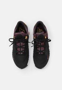 Nike Performance - FREE METCON 4 UNISEX - Gym- & träningskor - black/dark cayenne-white/solar flare - 3