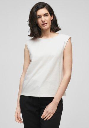 Basic T-shirt - soft white
