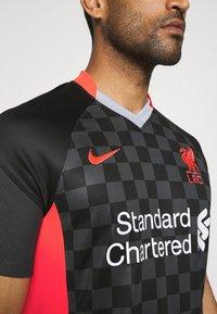 Nike Performance - LIVERPOOL FC 3R - Club wear - anthracite/black/laser crimson - 6
