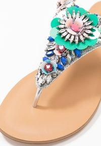 Cosmoparis - HANILLA - Sandalias de dedo - multicolor - 2
