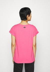 Replay - T-shirt con stampa - pink cyclamen - 2