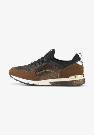 SNEAKER MIT SCHLANGENHAUT UND LEOMUSTER DETAIL - Sneakers laag - brown
