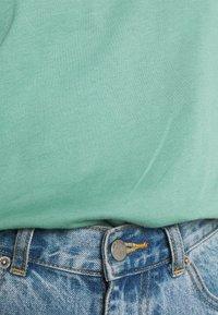 Trendyol - Jednoduché triko - mint - 6