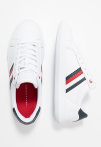 Tommy Hilfiger - ESSENTIAL CUPSOLE - Zapatillas - white