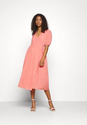 YASMELBA MIDI DRESS - Day dress - peach melba