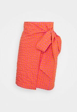GINGHAM MINI JASPRE - Wrap skirt - orange