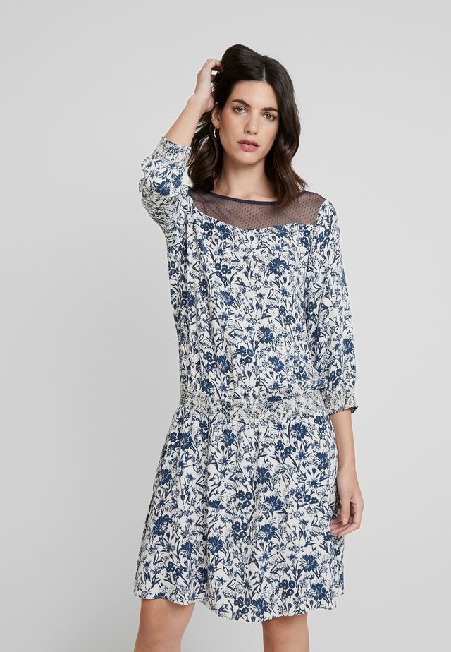 HANNAH - Sukienka letnia - kreideweiß