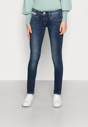 PIPER SLIM REUSED - Slim fit jeans - clean