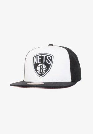 NESS NBA FRONT POST SNAPBACK  - Pet - weiß