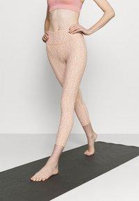 Cotton On Body - REVERSIBLE 7/8 - Legginsy - cashew - 0