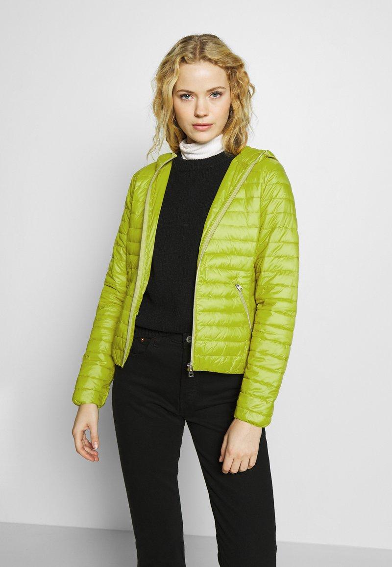 Opus - HOWIE - Lehká bunda - green leaf