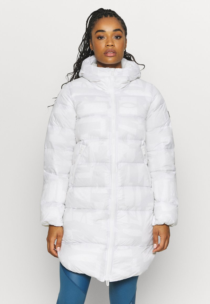 Under Armour - SPORTSTYLE GRAPHIC BENCH - Down coat - onyx white