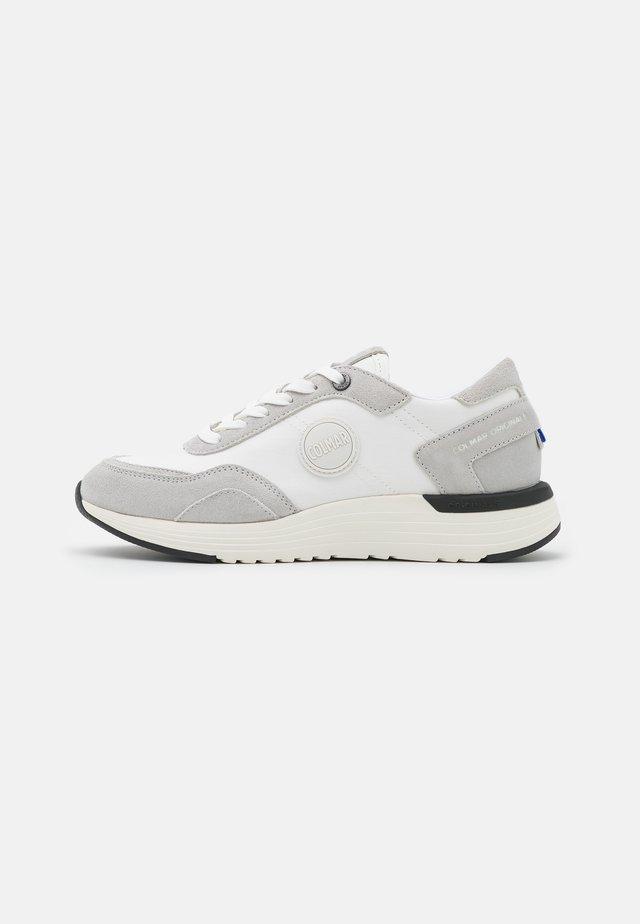 DARREN TONES - Sneakersy niskie - white