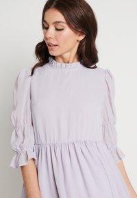NA-KD - MINI DRESS - Koktejlové šaty/ šaty na párty - dusty lilac - 3