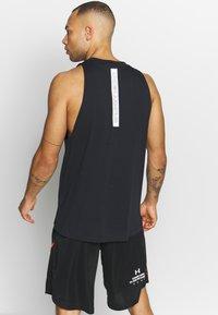 Under Armour - BASELINE TANK - T-shirt de sport - black/white - 2