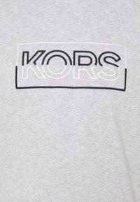 Michael Kors - BOX TEE - T-shirt con stampa - heather grey - 2