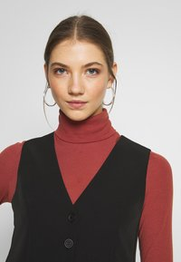 New Look - FITTED WAISTCOAT - Blouse - black - 3