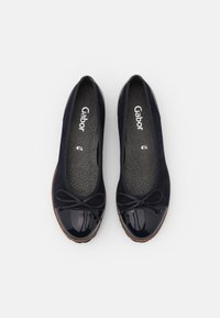 Gabor - Ballet pumps - atlantik/cognac - 5