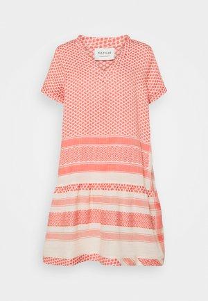 DRESS - Korte jurk - dew/emberglow