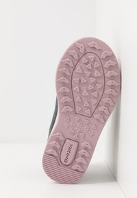 Viking - LEAH MID GTX - Hiking shoes - dark grey/dusty pink - 5