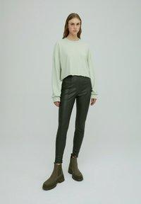 EDITED - LEGGINGS TERESA - Leggings - Trousers - grün - 1