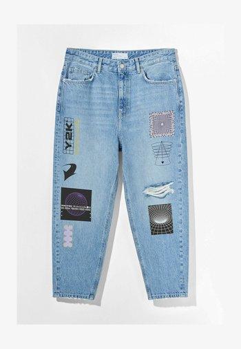 Zúžené džíny