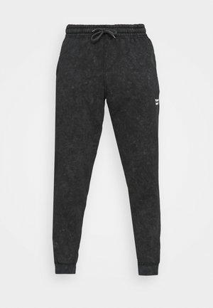 CORE OVERDYE  - Teplákové kalhoty - black