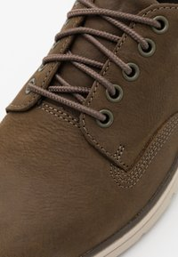 Timberland - BRADSTREET 5 EYE - Casual lace-ups - olive - 5