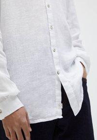 PULL&BEAR - Košile - white - 5
