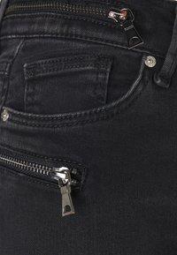 ONLY - ONLCARMEN LIFE - Jeans Skinny Fit - black - 5