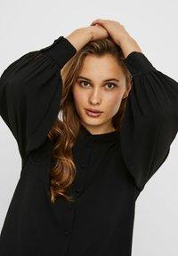 Vero Moda - VMAYA PLEAT  - Button-down blouse - black - 3
